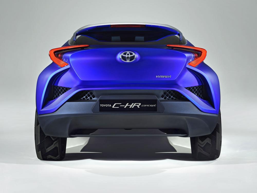 C-HR Hybrid: вид сзади