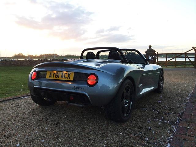 Британский спорткар использует двухлитровый двигатель Форд