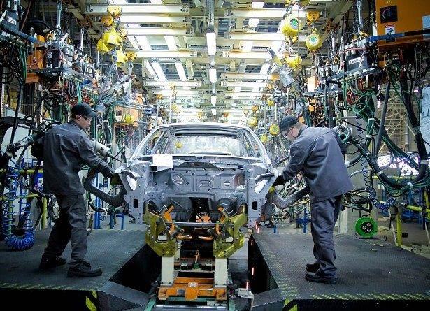 Автосборочный цех завода Ниссан в Санкт-Петербурге