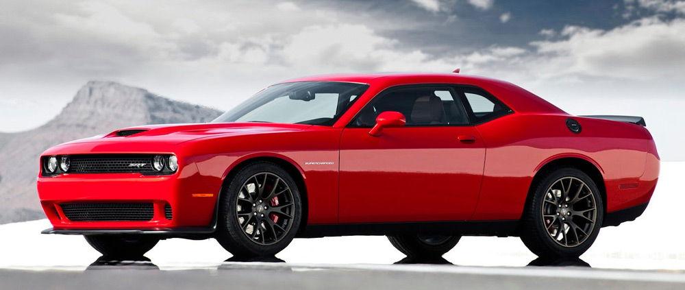 АвтомобильDodge Challenger Hellcat