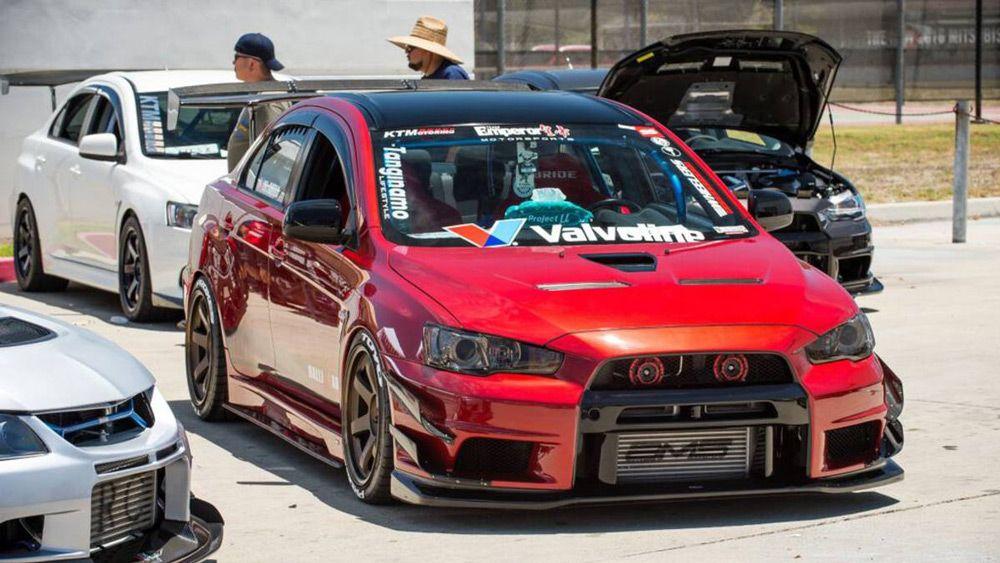 автомобиль-Mitsubishi-evo