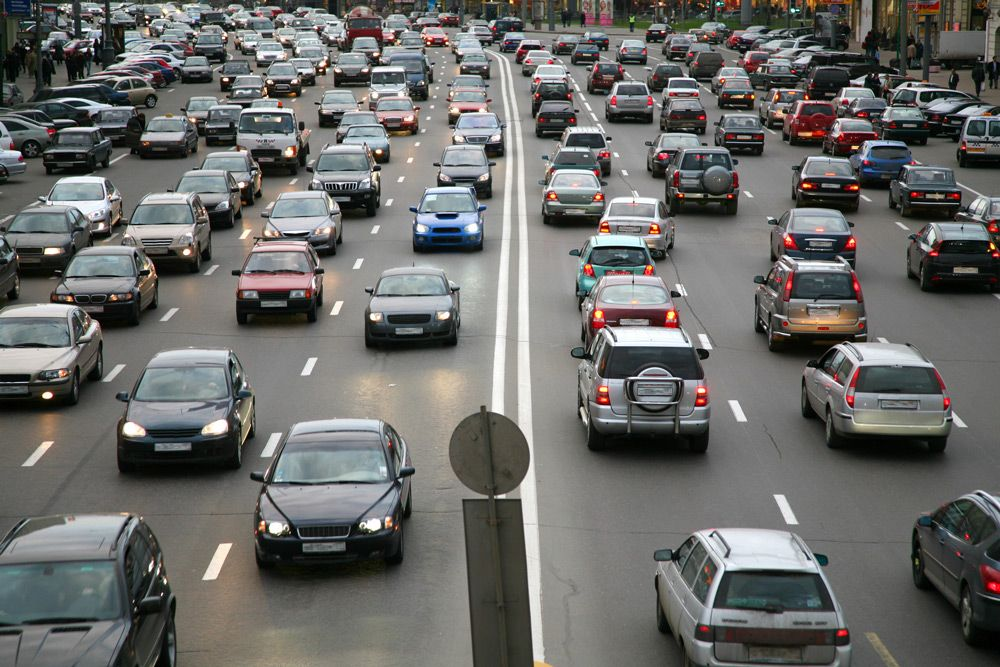 Автомобильное движение в России