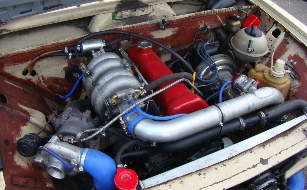Двигатель с турбонаддувом
