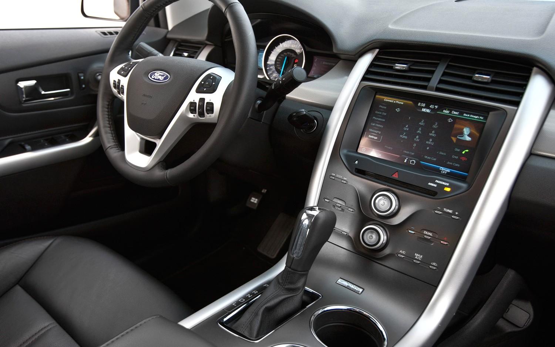 2016 Ford Edge interior
