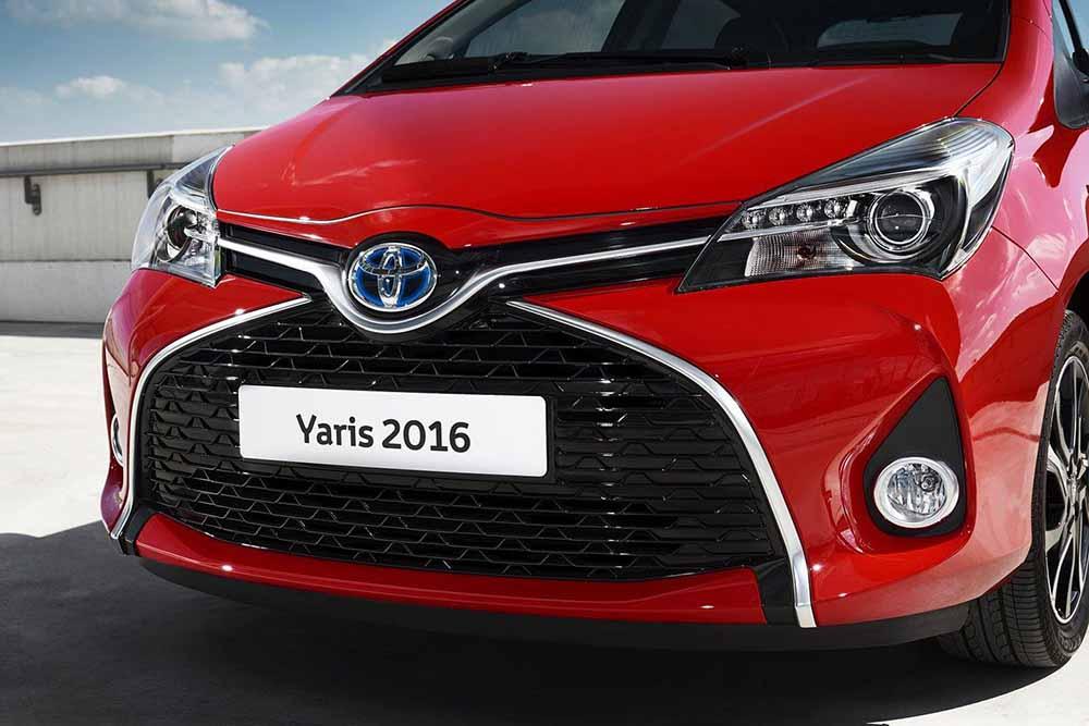 Новая решётка Toyota Yaris 2016 года