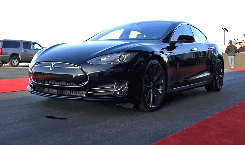 Седан Tesla Model S P85D