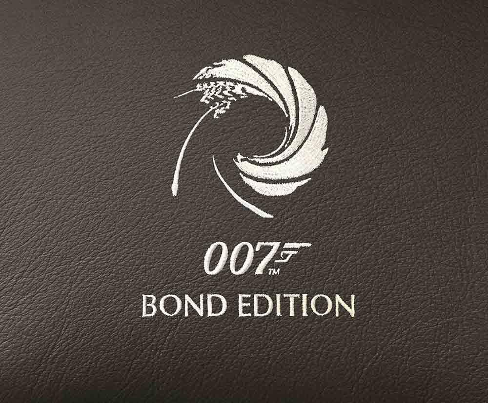 Эмблема 007 с пистолетом и логотип производителя