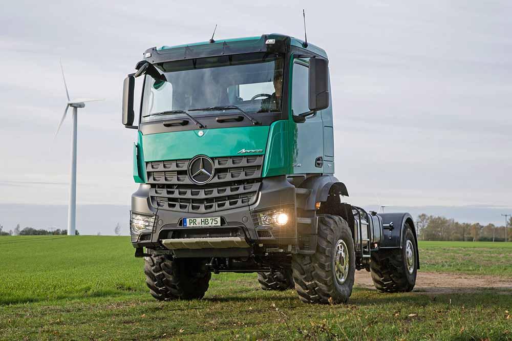 Грузовик Mercedes-Benz Arocs для сельского хозяйства
