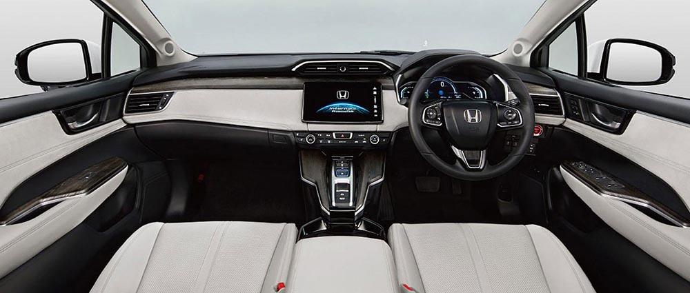 Салон нового серийного авто с двигателем на водороде