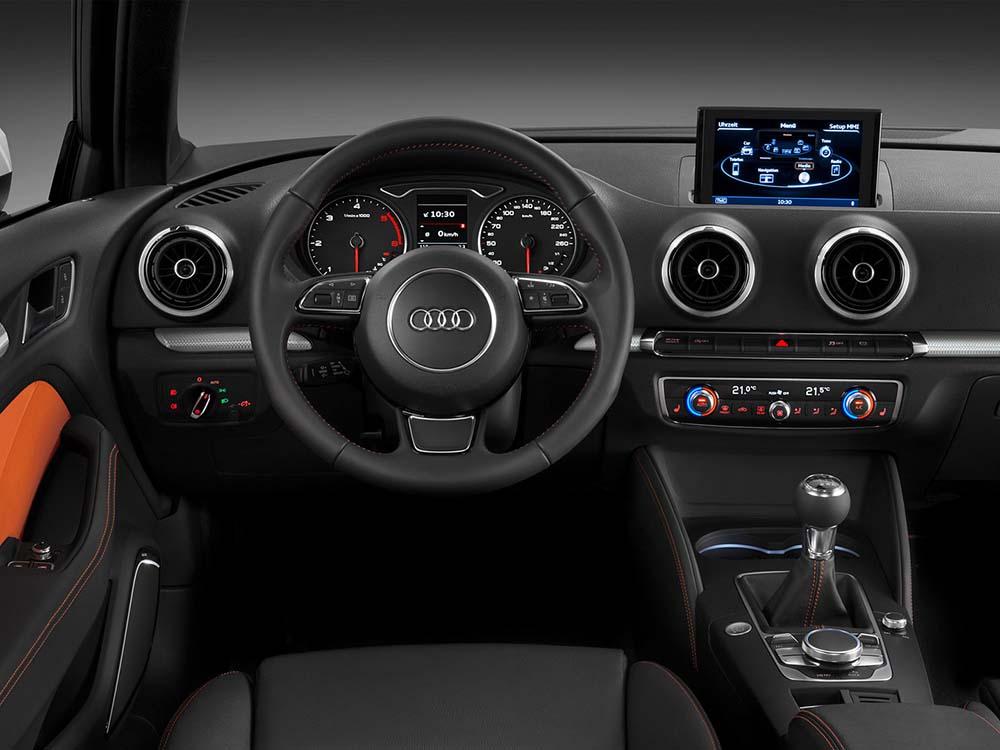 В салоне модели третьего поколения Audi A3