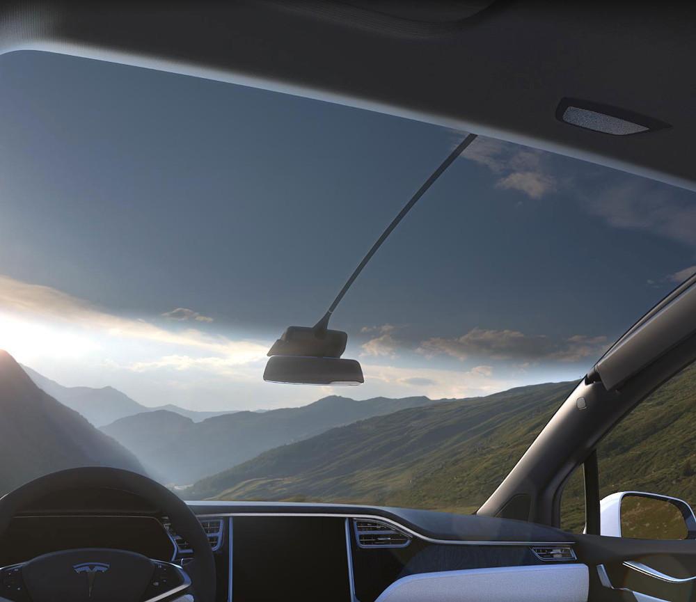 Панорамная крыша, безусловно, является одной из визитных карточек машины