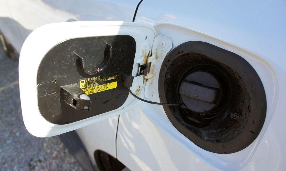 """Надпись """"Только неэтилированный бензин"""""""