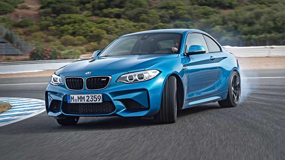Автомобиль BMW M2 — сама сущность ряда M