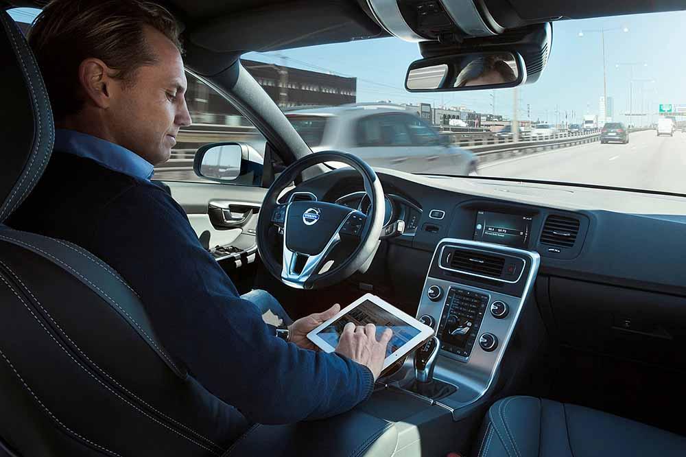 Автопилотом компания Вольво планирует оснастить первые 100 авто уже в 2017 году