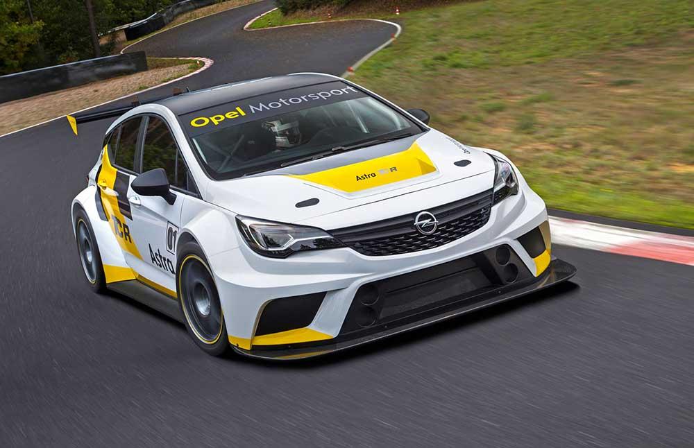 Новый Opel Astra TCR в бело-жёлто-чёрном цвете