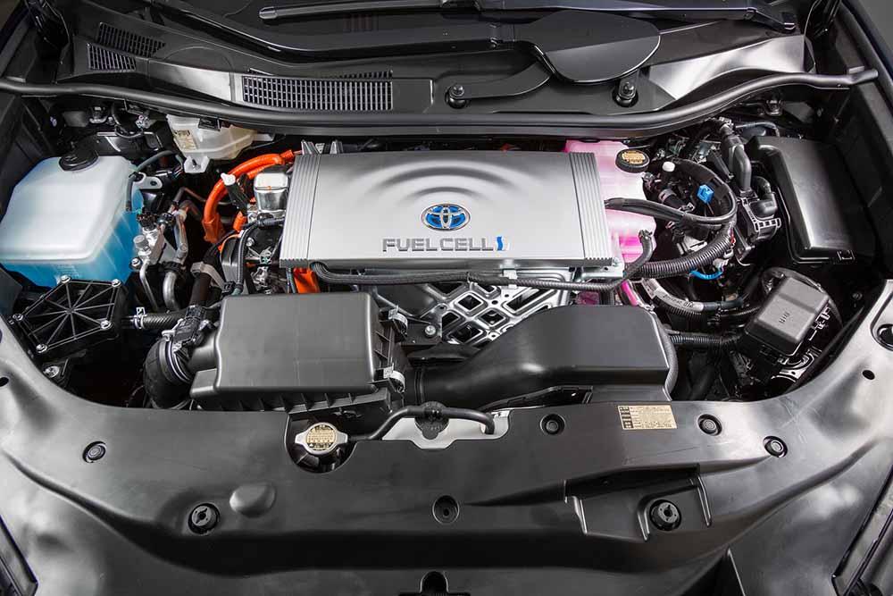 Под капотом машины на водородных топливных элементах