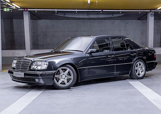 Раритетный Мерседес можно посмотреть на берлинском автошоу классических автомашин