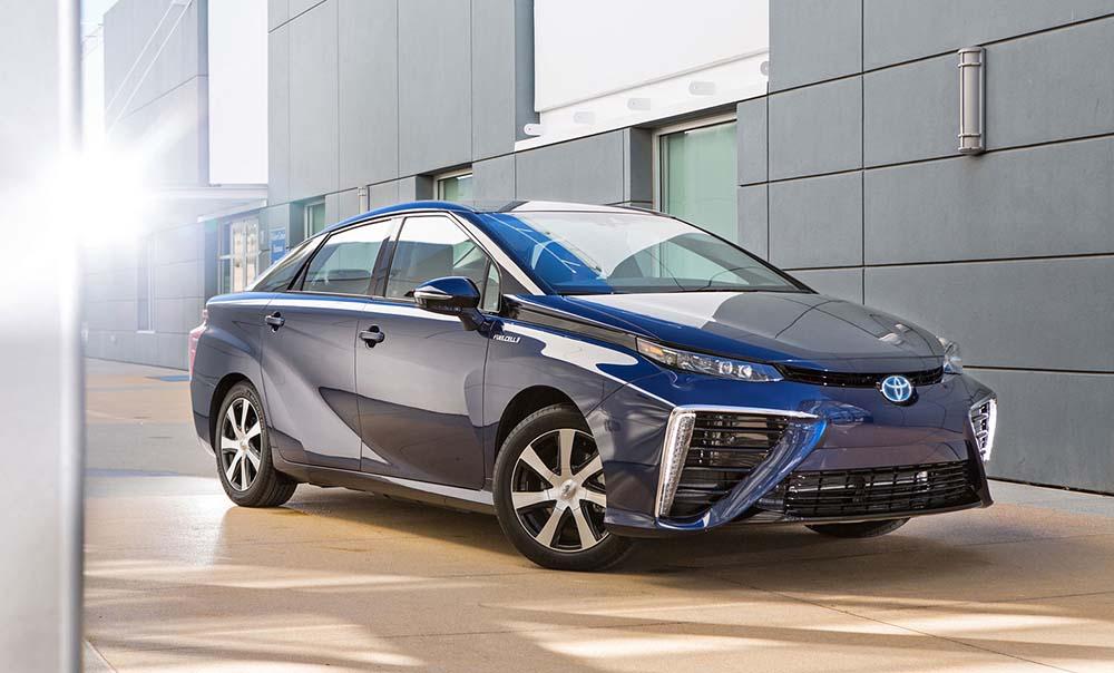 Тойота Мираи пользуется огромным спросом у потенциальных клиентов