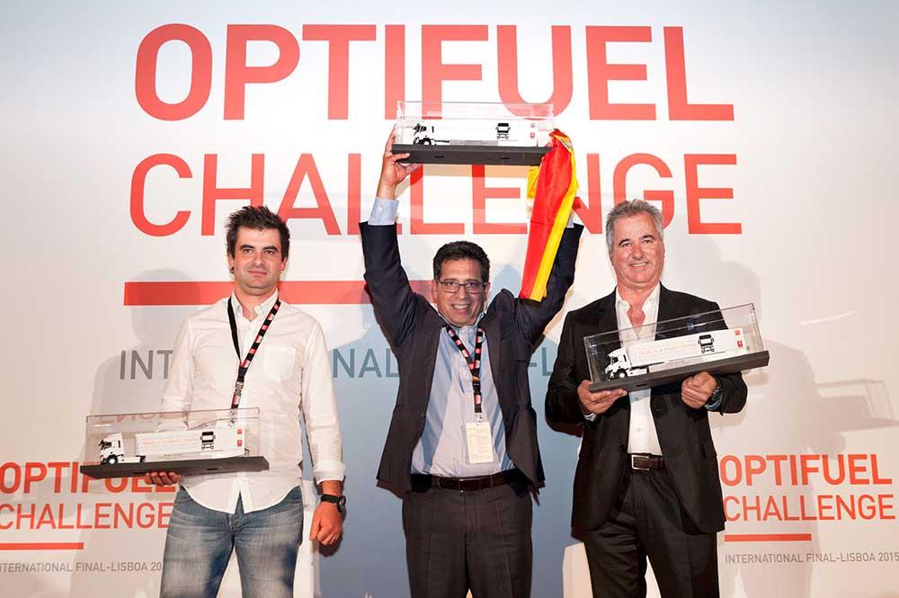 Тройка победителей международного конкурса на тяжёлых грузовиках