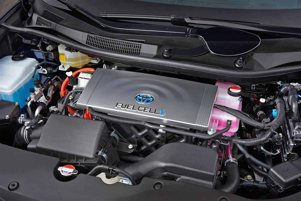 Водородные топливные элементы под капотом автомобиля Toyota Mirai
