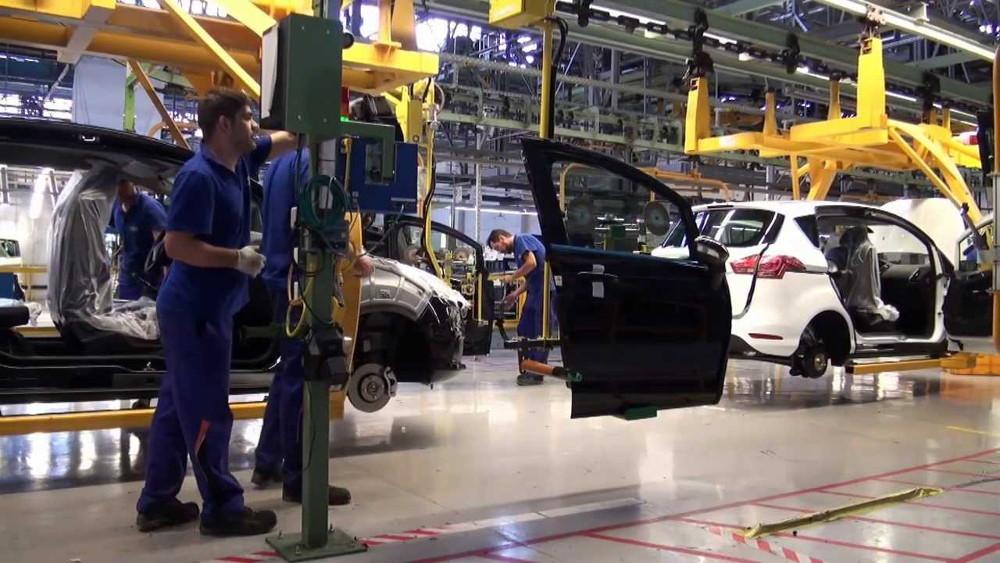 Несколько американских автопроизводителей рискуют получить страйк рабочих