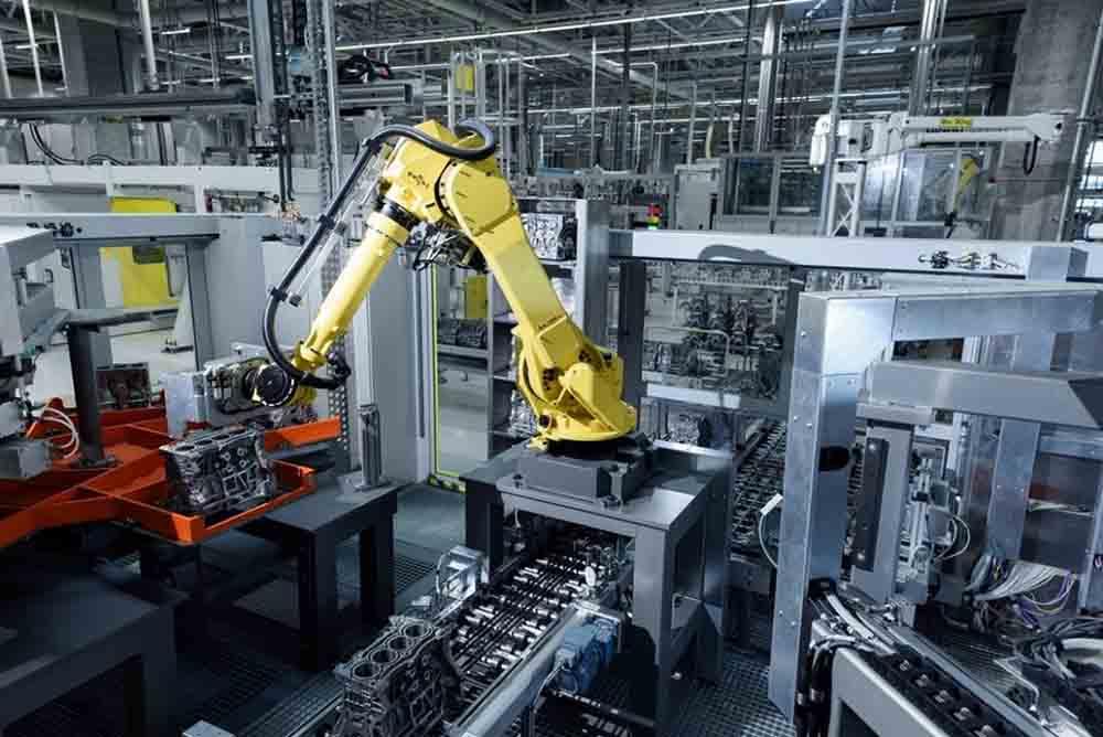 Производство новых моторов открылось в Калуге в 2015 году