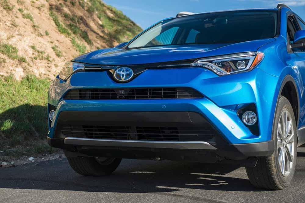 Toyota RAV4 Hybrid 2016 года