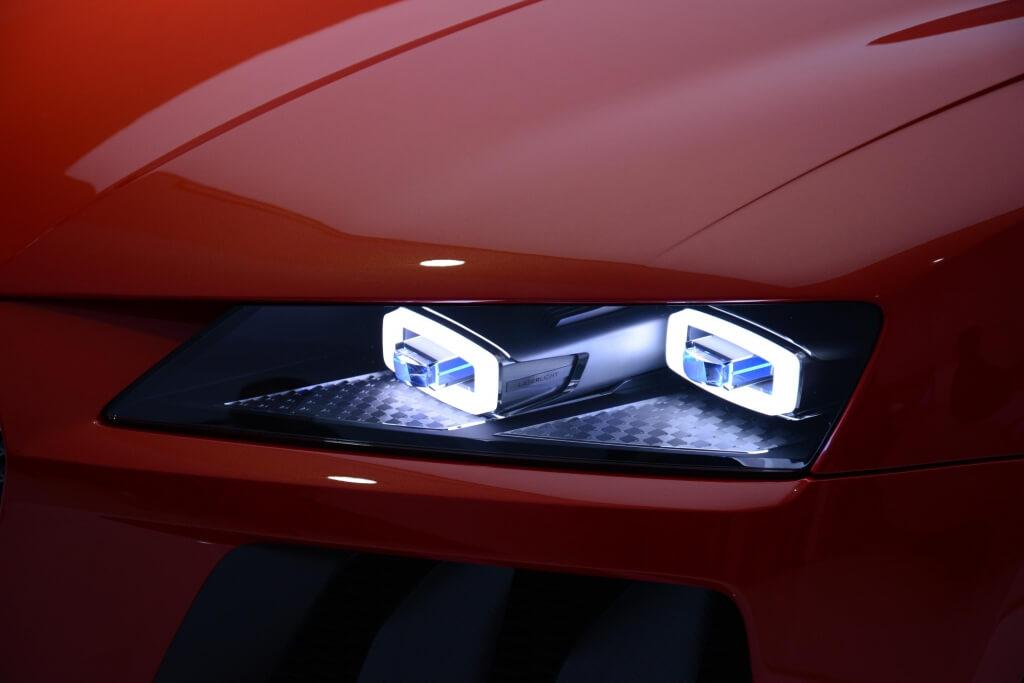 Лазерные фары автомобиля
