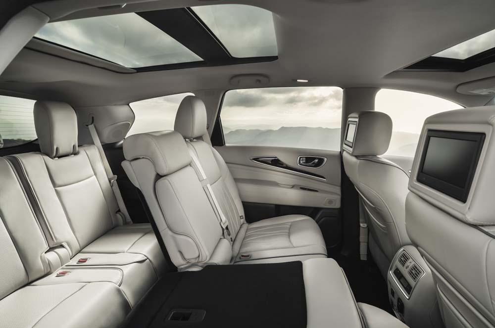 Два ряда задних сидений