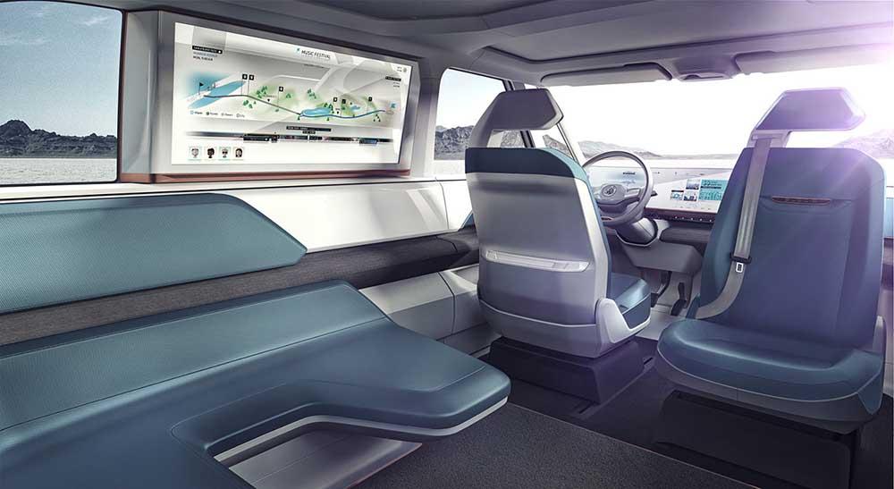 Интерьер салона нового концепта Volkswagen Budd-e