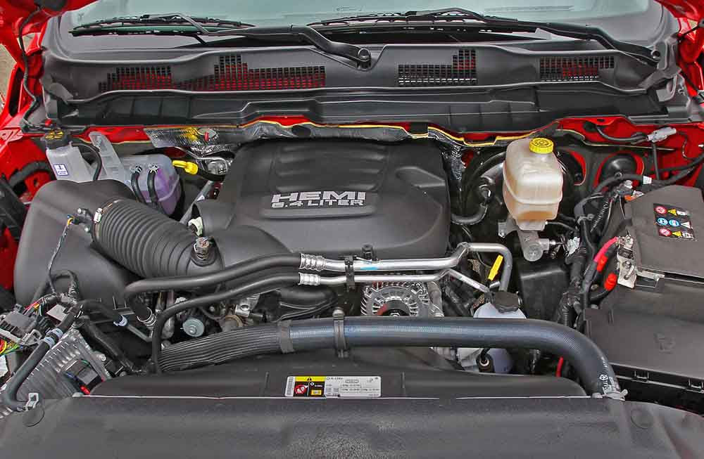 Двигатель остался прежним восьмицилиндровым