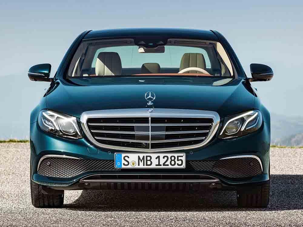 Автомобиль Mercedes-Benz класса E