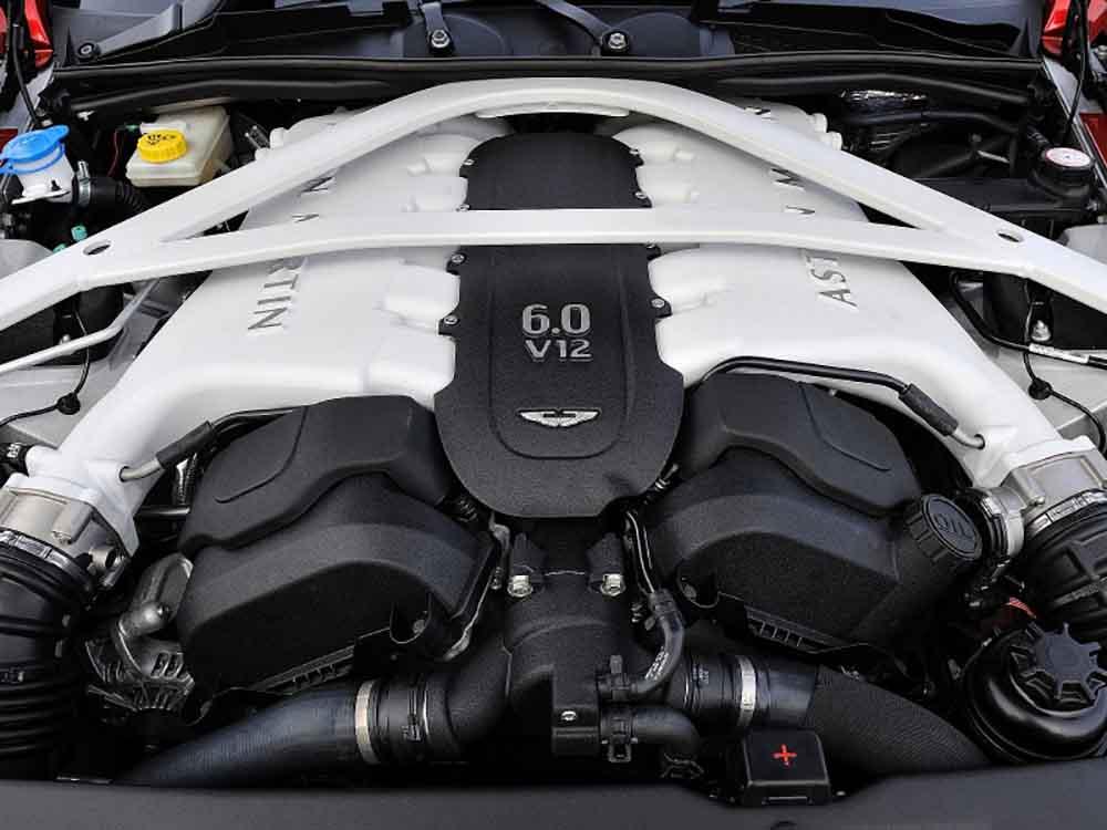 Нынешний шестилитровый 12-цилиндровый двигатель