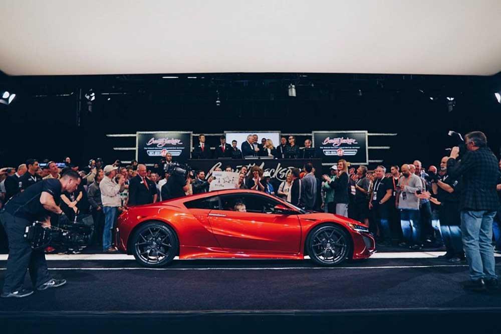 Первый проданный экземпляр Acura NSX