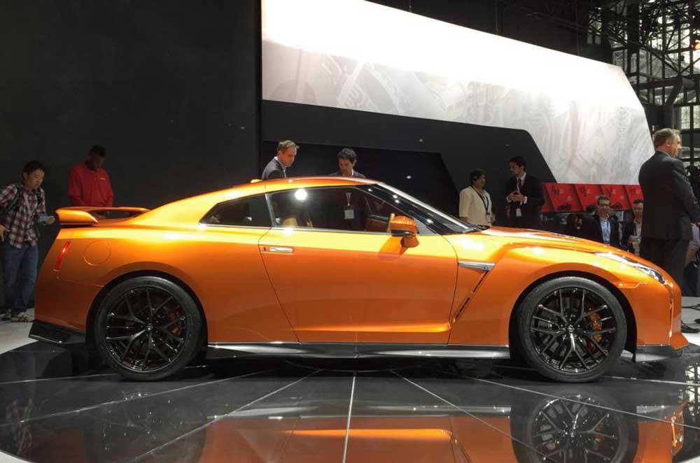 Обновлённый Nissan GT-R на нью-йоркском автосалоне