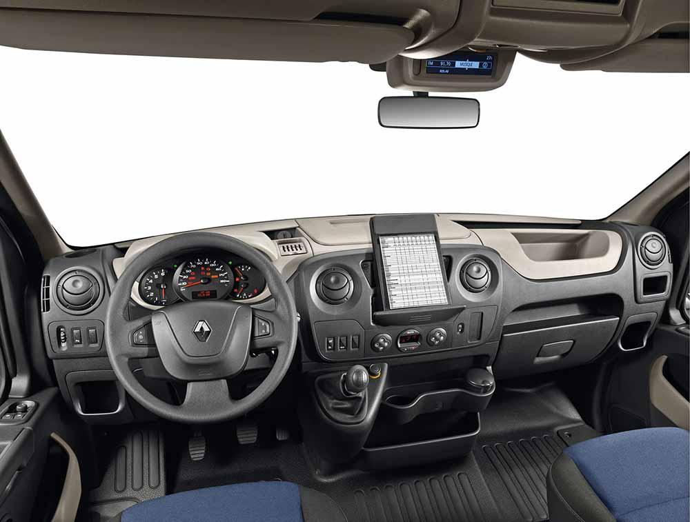 Приборная панель и рулевое управление автомобиля