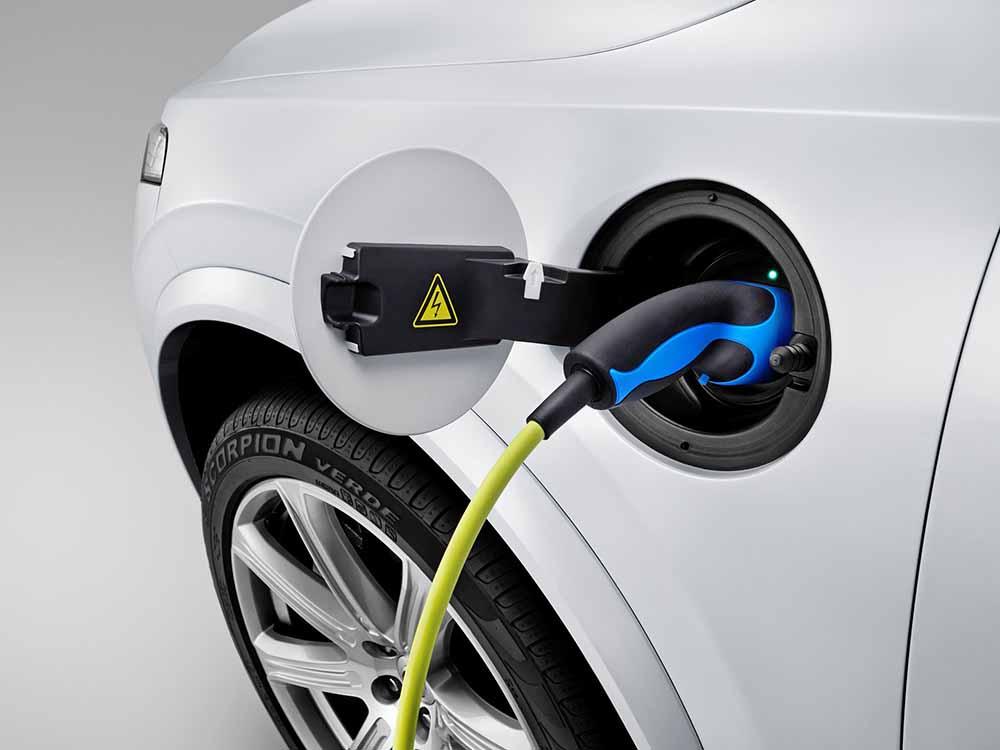 Вольво планирует значительно расширить предложение машин с электроприводом