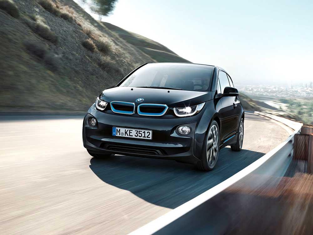 BMW i3 теперь без дозаряда проехать значительно дальше
