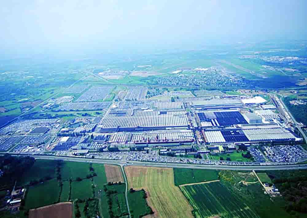 Заводской автосборочный комплекс Citroen в городе Ренн во французской Бретани