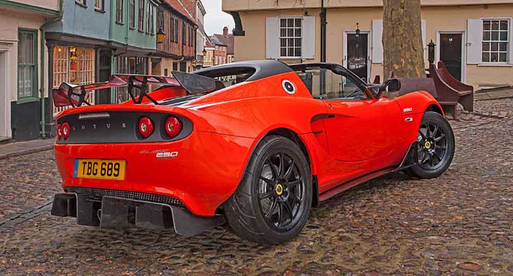 Lotus Elise Cup 250: вид сзади