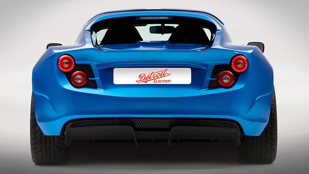 Мощный роскошный спорткар на электроприводе