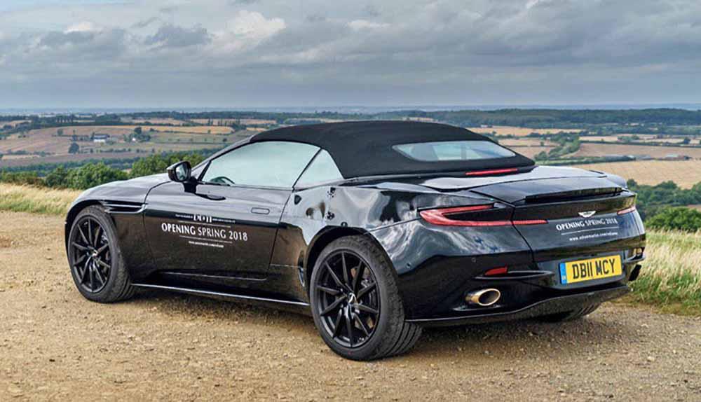 Кабриолет Aston Martin DB11 Volante
