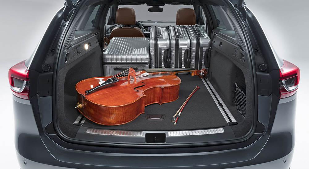 Багажник можно считать по-настоящему вместительным