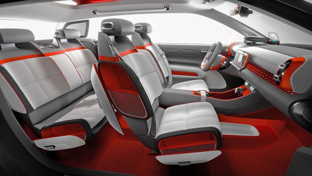 Новые сиденья автомобиля