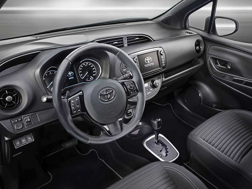 Изменения в салоне Toyota Yaris незначительные