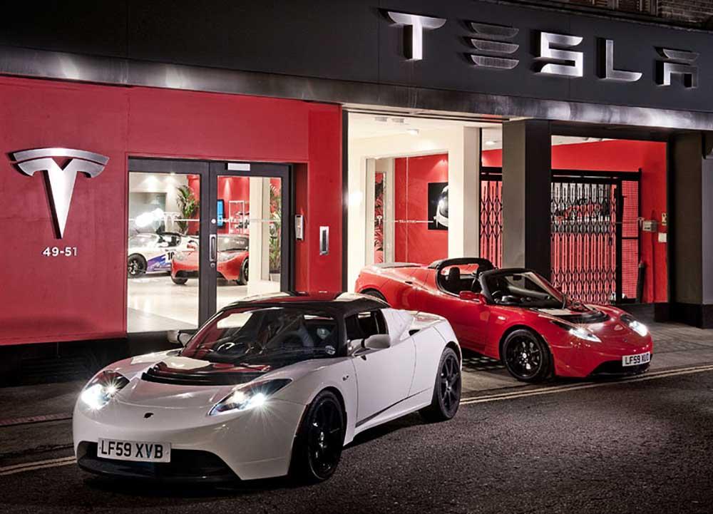 Родстеры Tesla