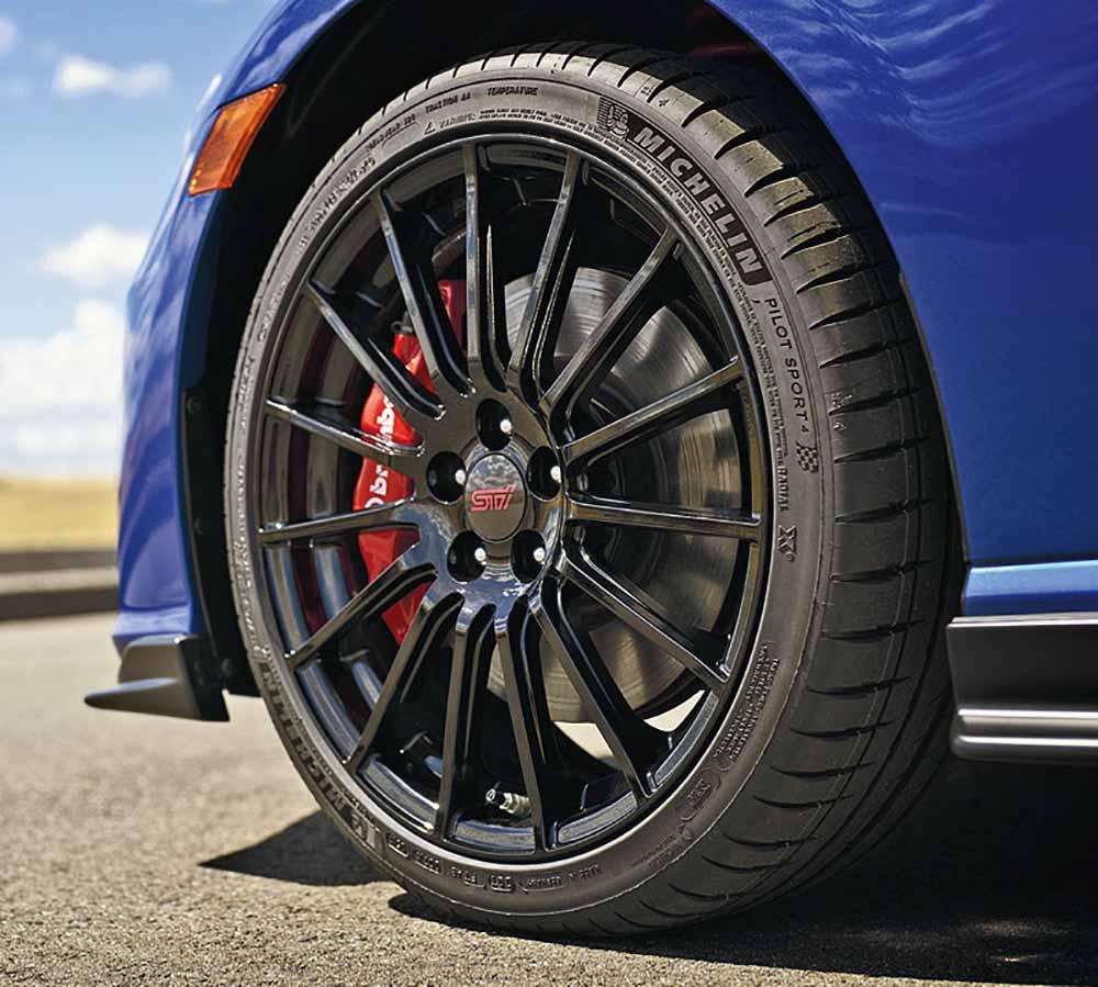 Стандартные 18-дюймовые колёса