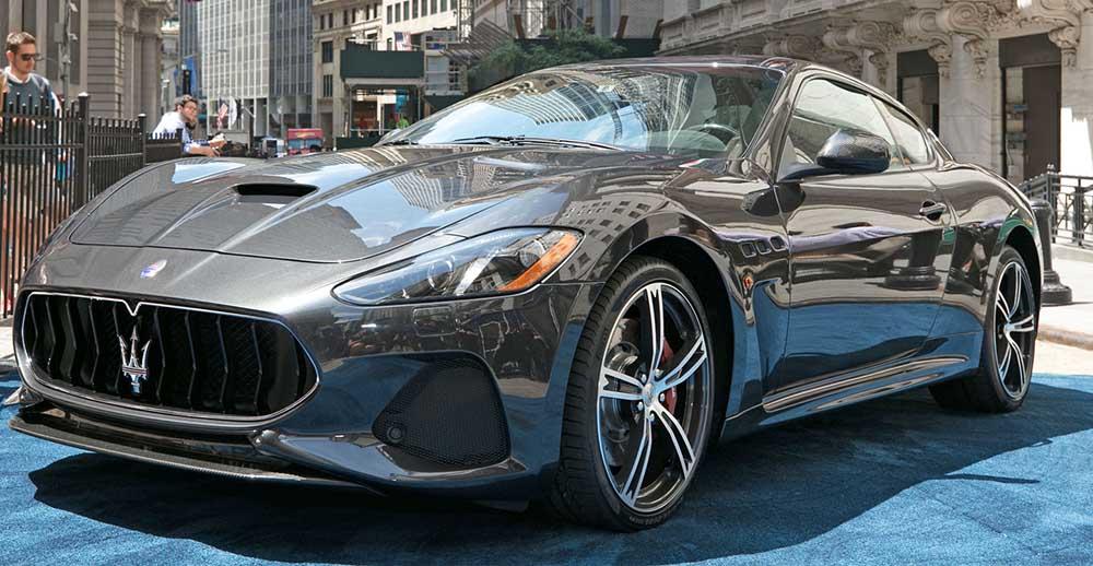 Maserati GranTurismo сбоку