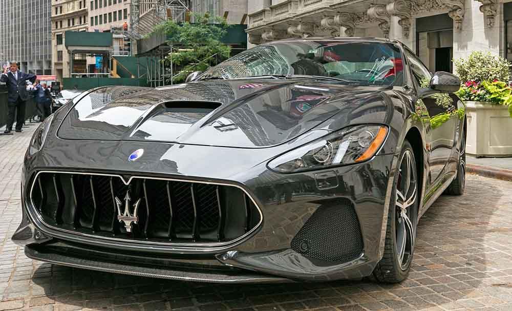 Maserati GranTurismo спереди