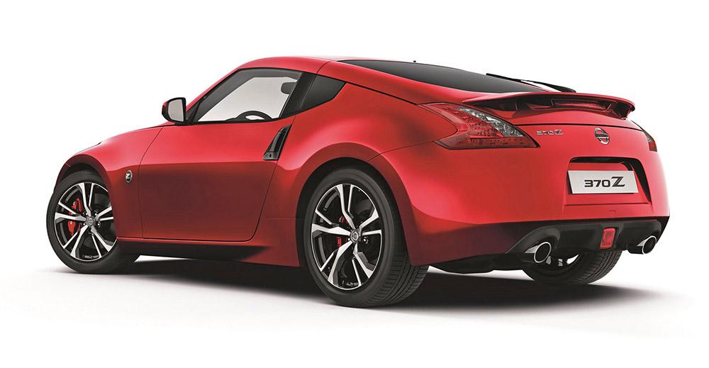 Nissan 370Z MY18: вид сзади